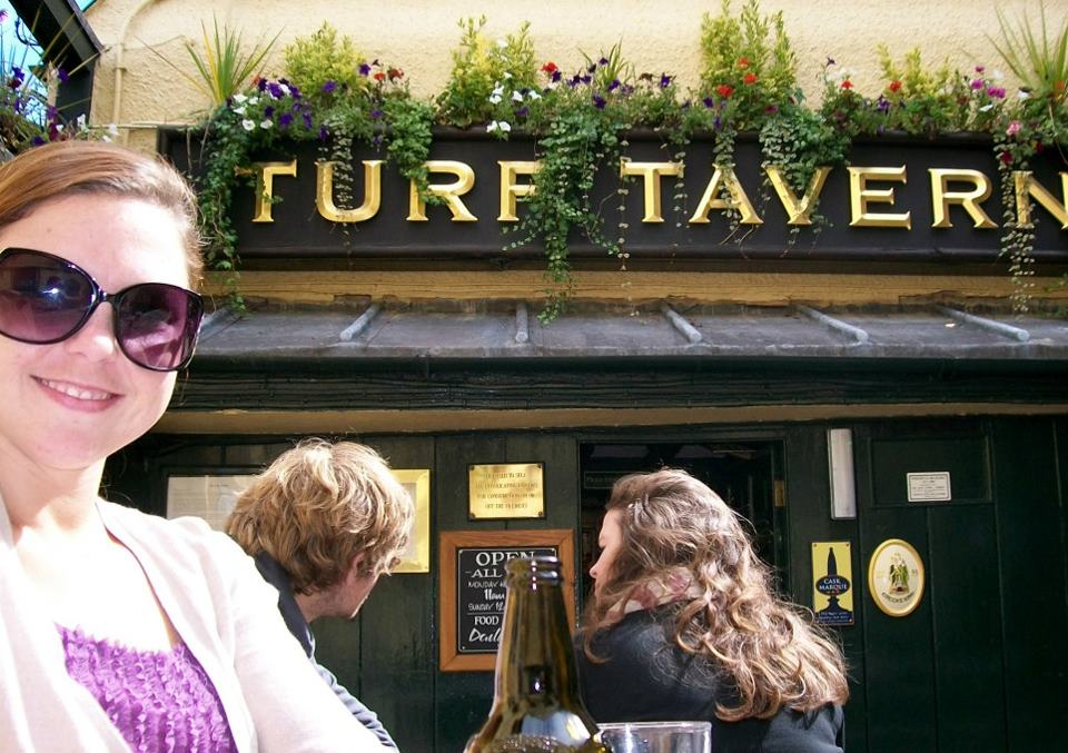 turf tavern, pub, bar, institution, oxford, history